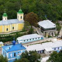 Тур в Молдову из Одессы. Монастырь Сахарна.