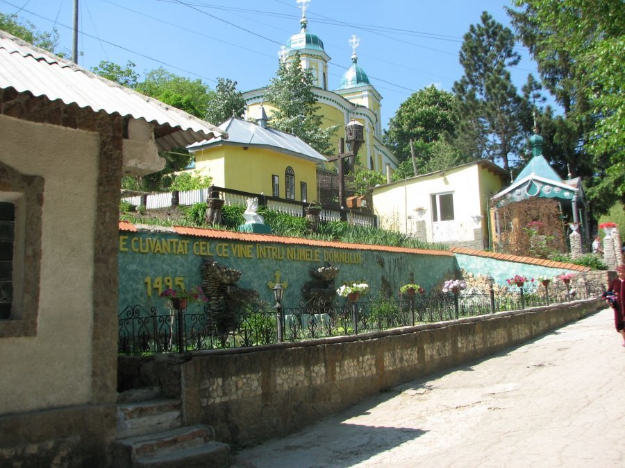 Тур в Молдову из Одессы. Монастырь Сахарна