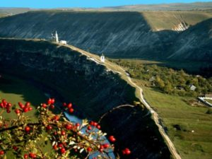 Тур в Молдову из Одессы. Природа. Старый Орхей.