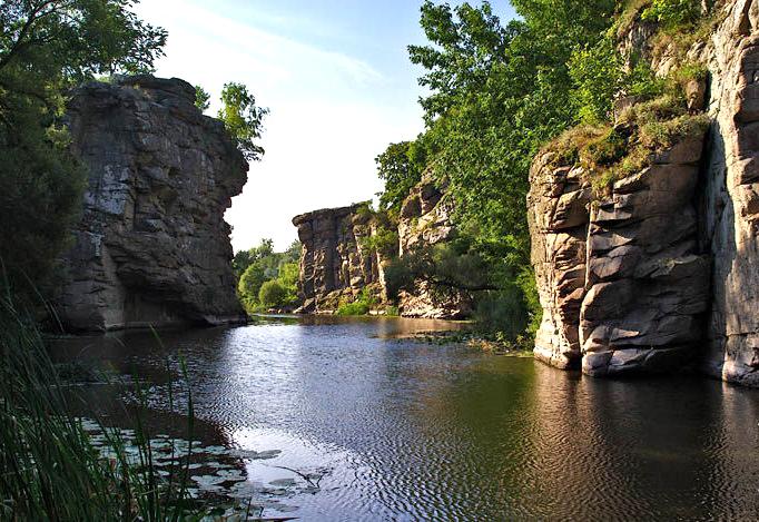 Тур выходного дня из Киева. Букский каньон + рафтинг Южный Буг ...