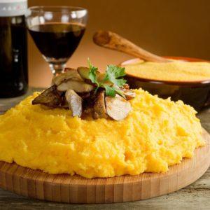 Туры в Молдову. Национальная кухня. Мамалыга
